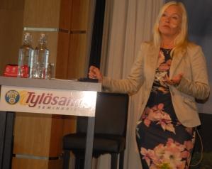 Infrastrukturminister Anna Johansson.jpg