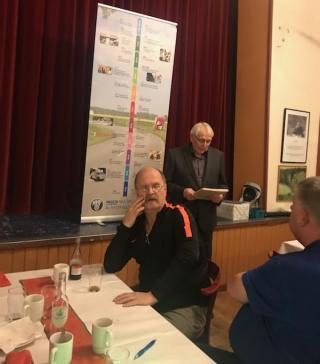 Kjell Näsholm håller tal på julfesten 2019